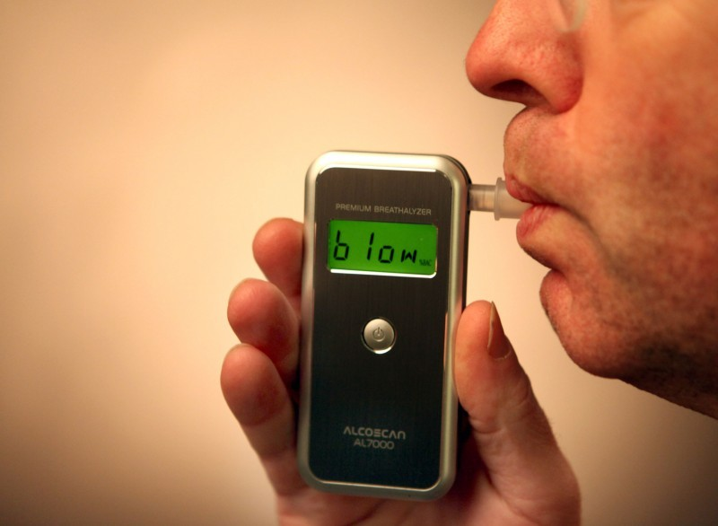Scientists In UK Developing Breathalyser Cancer Detector