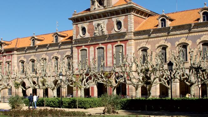 Indarkeria matxistari buruzko akordio historikoa Kataluniako Parlamentuan