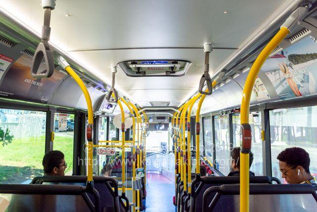 ブリスベンのバスの車内