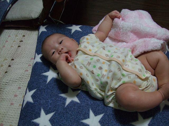 日本で生まれた娘(生後2か月くらい)