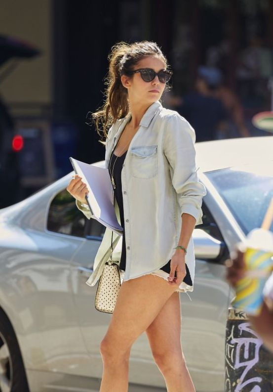 nina-dobrev-in-shorts-out-in-nyc-august-2015_1_thumbnail