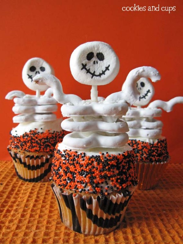 Skeleton Halloween Cupcake