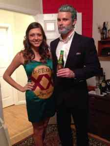Dos Equis + The Most Interesting Man In The World Halloween Costumes Halloween Costume #halloween #halloweencostume #halloweencouplecostume #couplecostume #diycostume #diyhalloween #diyhalloweencostume #KAinspired www.kainspired.com