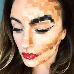 DIY Halloween Makeup Looks #halloween #halloweencostume #diy #diyhalloweencostume #diycostume #makeupideas #halloweencostumes #facepaint #makeup #pixelated #pixels #pixelcostume #gamer #pixelatedcostume #kainspired