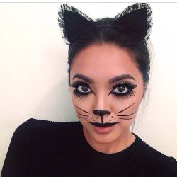 DIY Halloween Makeup Looks #halloween #halloweencostume #diy #diyhalloweencostume #diycostume #makeupideas #halloweencostumes #facepaint #makeup #cat #catcostume #kainspired
