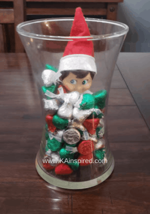 Elf on the shelf easy and creative ideas #elf #elfontheshelf #creative #elf #elfideas #christmas #christmasspirit #christmastraditions #traditions #christmasideas #elfideas #elf #easyelfontheshelf easy elf on the shelf ideas #KAinspired