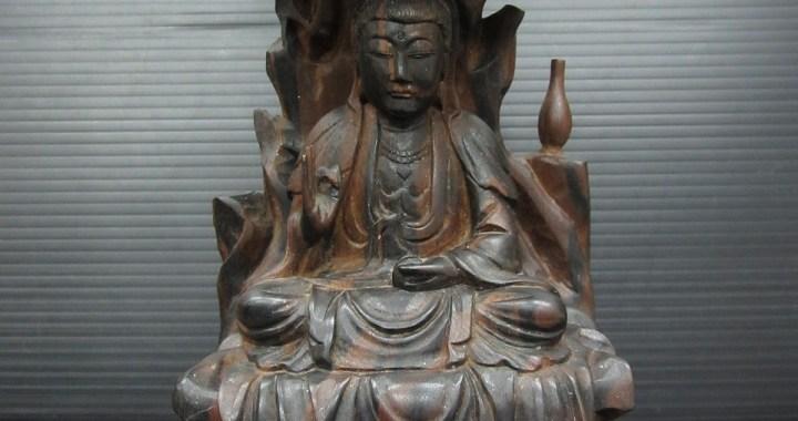 仏教美術 黒檀 一刀彫 仏像 高さ 約19㎝ 重さ 約761g 中古品
