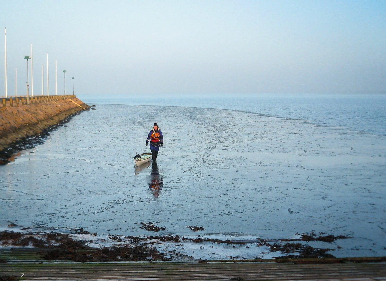 Promenad med kajak i lite issörja i Båstad