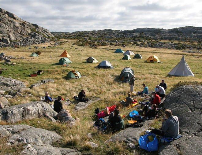 Många tält på Rävholmsträffen 2005?