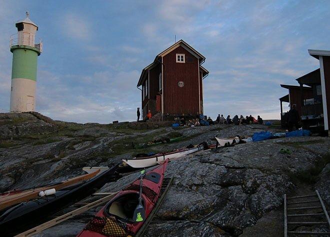 Fyr, fyrhus, kajakparkering och fredagskväll på Valö