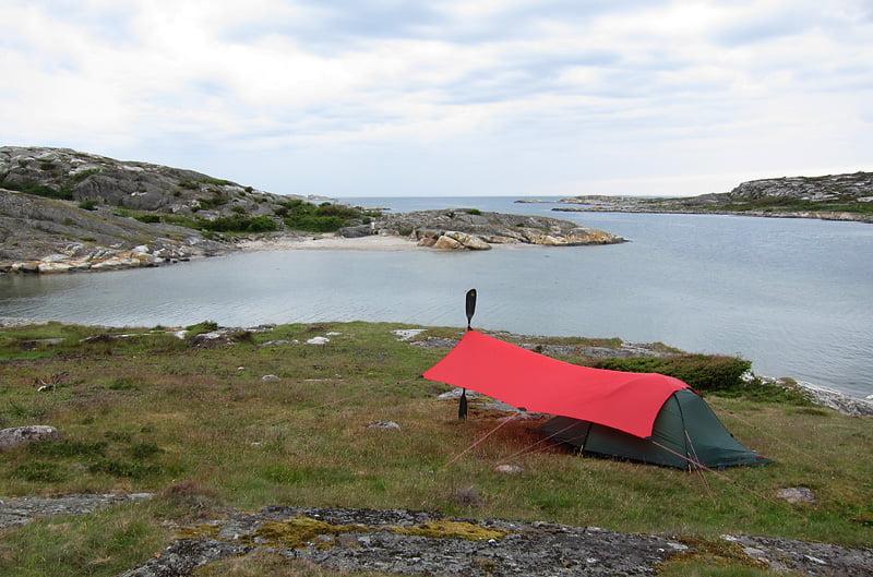 Tält-tarp-läger på Lilla Tenholmen