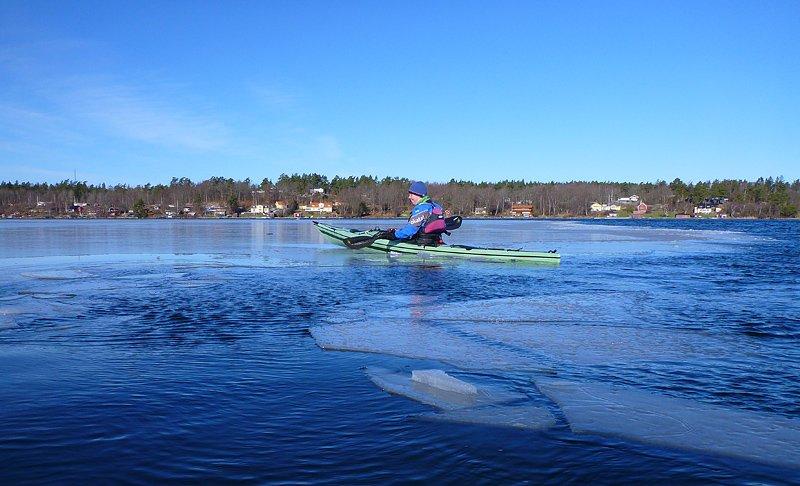 På sina ställen höll isen i kanterna för att åka upp på en sväng