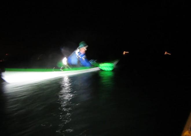 Blir inte alltid jättebra bilder från kajaken när det är mörkt  ;)