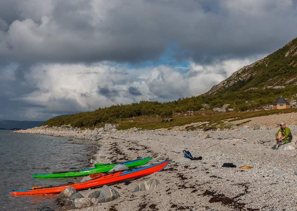 Stenstrand på Lurøys norrsida