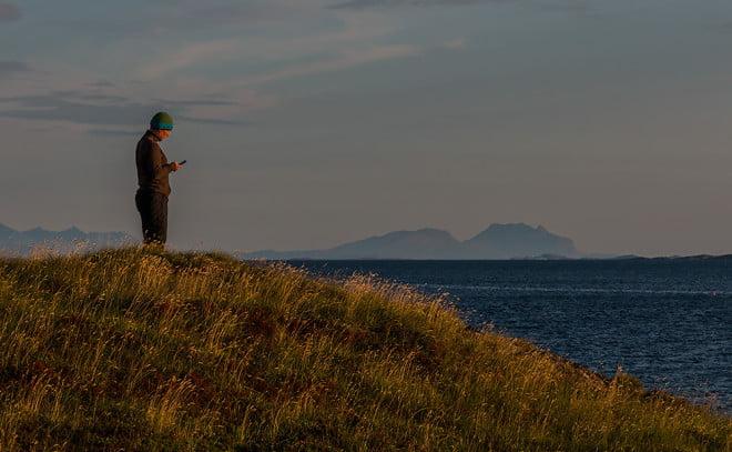 Pia surfar ikapp med Dönnamannen