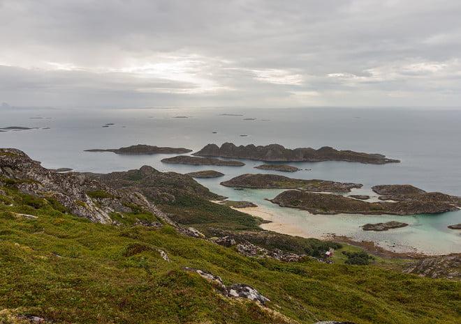 Toppvy från Nesøya. Och en pixel tält ;)