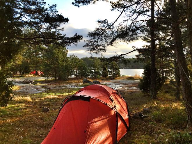 Hilleberg Tarra på Lilla Bergö i Misterhult. Adventspaddlingen 2014