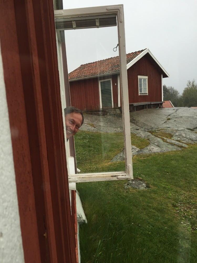 Kul att tvätta fönster på Örö