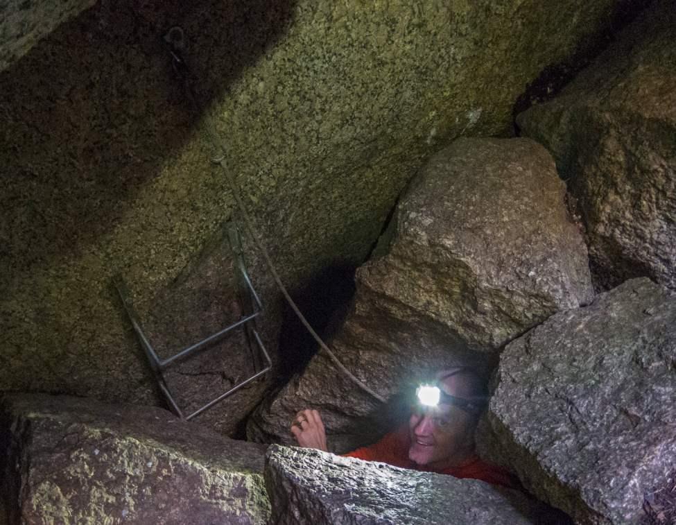 Grottpyssel i Skallebergsgrottorna