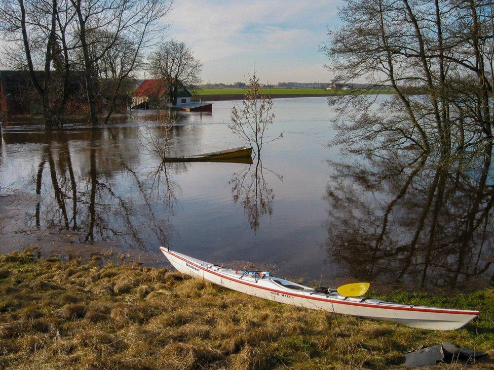 Riktigt högt vatten vid Höja i Rönneå. Har aldrig sett sådan översvämning. Bilden från februari 2002