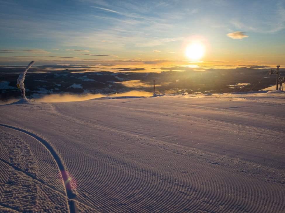 Soluppgång och manchester strax ovanför Skihytta