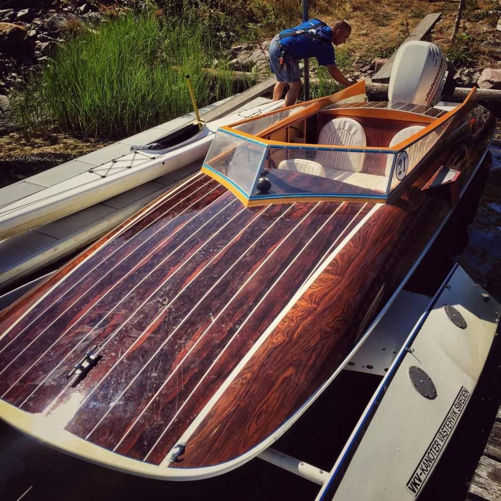 Snygg och snabb båt! VKV Kåre racer edition :)