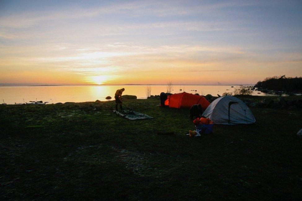 Upp med tälten på Tärnö