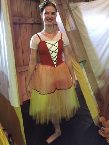 Bereit für den 1. Akt: ein Bauernmädchen