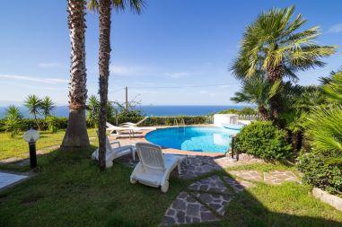 Garten und Pool Villa Marisa