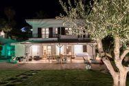Villa Anna by night