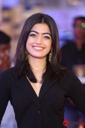 Actress Rashmika Mandanna Latest Gallery (4)