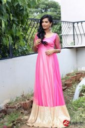 Actress SS Tanvi Photo Shoot Stills (15)