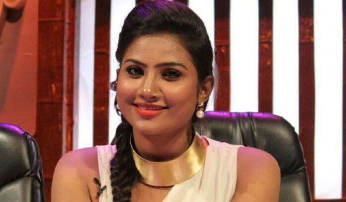 Myna Nandhini About Her Pregnancy