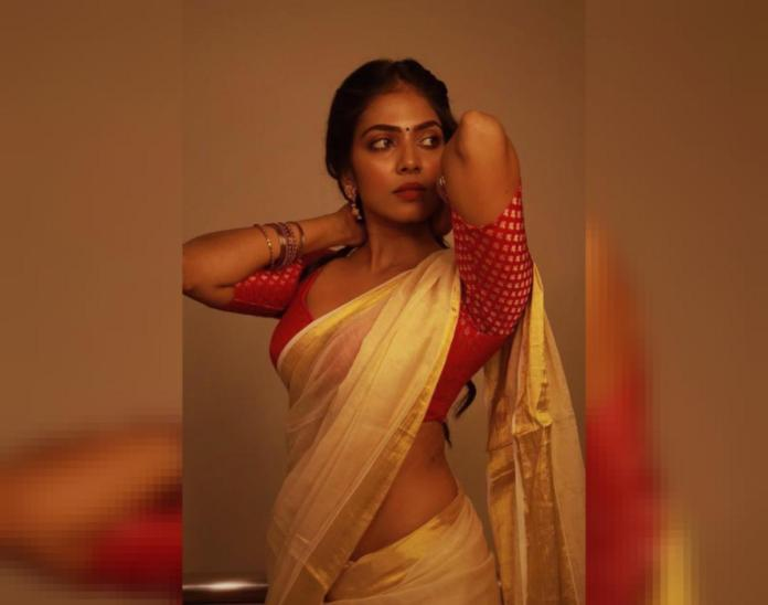 Malavika Mohanan Lates Photos