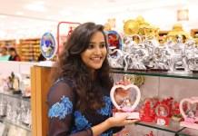 Vijay TV Jacqueline Shopping in Velavan Stores