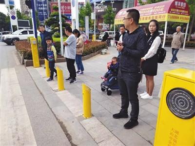 В голямо кръстовище в китайския град Дайе бе инсталирана роботизирана