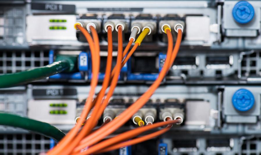 Fiber optical connections with serversВъзползвате ли се от Cloud технологии