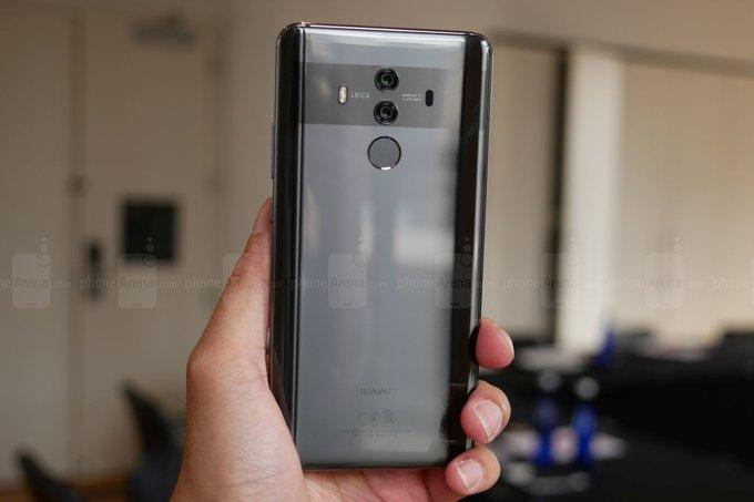 Huawei е поръчал на Samsung голямо количество големи дисплеи с
