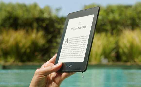 Amazon продължава да радва феновете на електронните четци. От днес