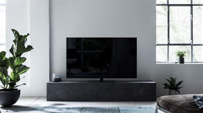 Снимка: Ревю на телевизора Panasonic FZ800 OLED TV