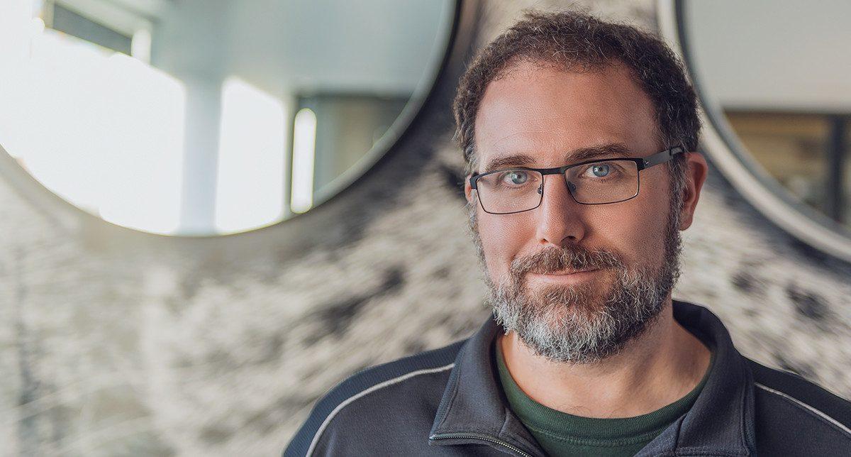 Майк Лейдлоу, бивш творчески директор в Bioware, известен най-вече с