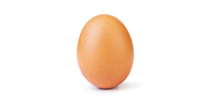 Снимка: Най-харесваният пост в Instagram вече е просто едно яйце