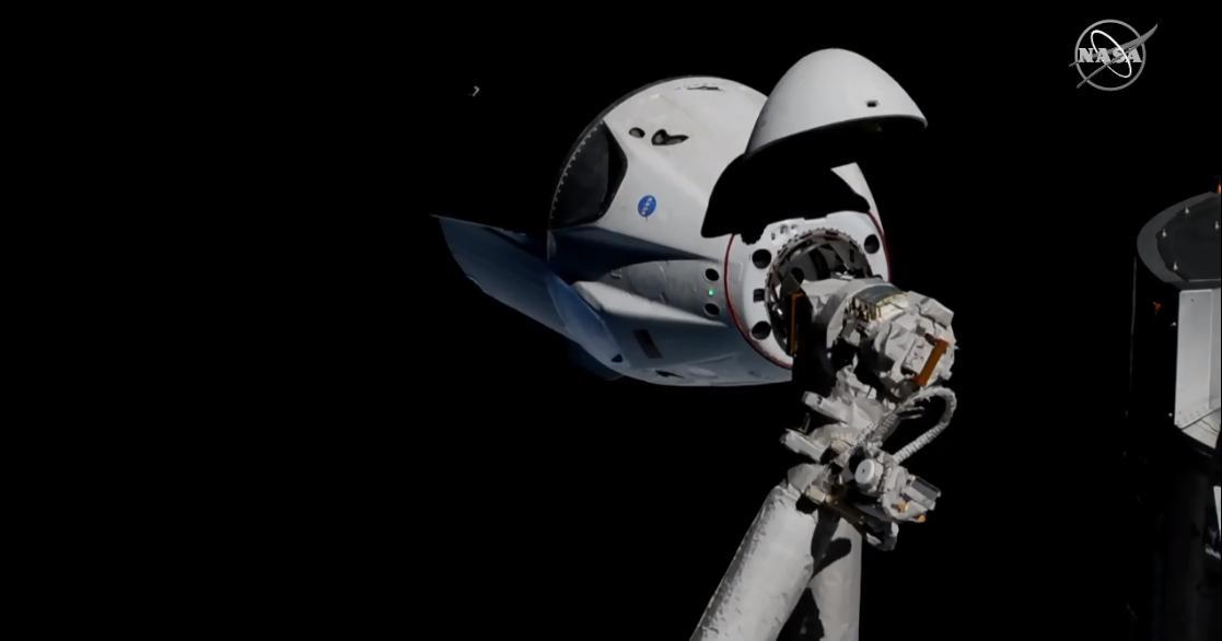 Изведеният вчера в космоса космически кораб от ново поколение Crew