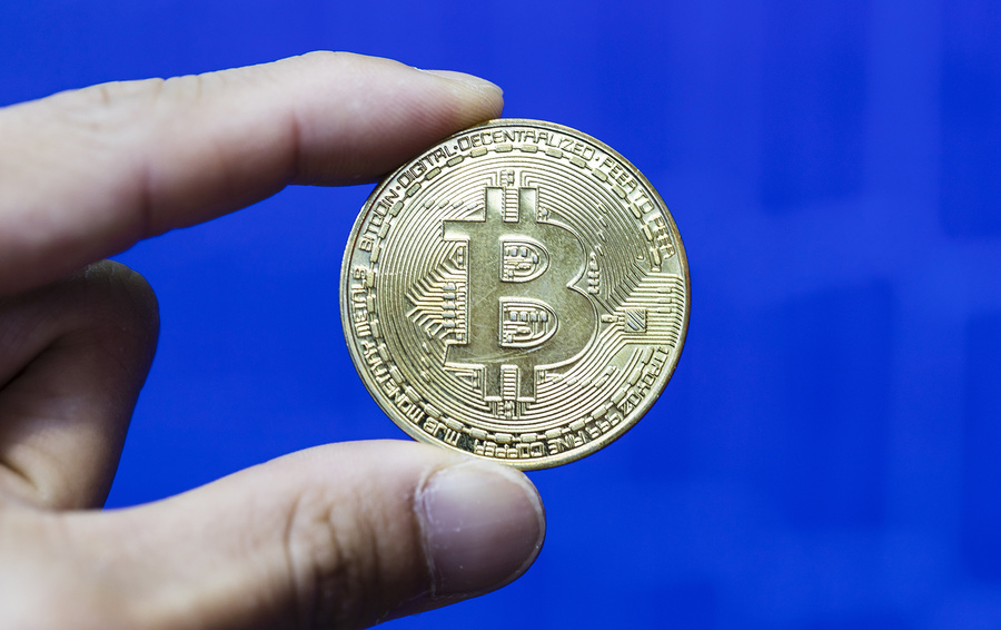 През месец май частните криптовалутни инвеститори и блокчейн гиковете очаровано