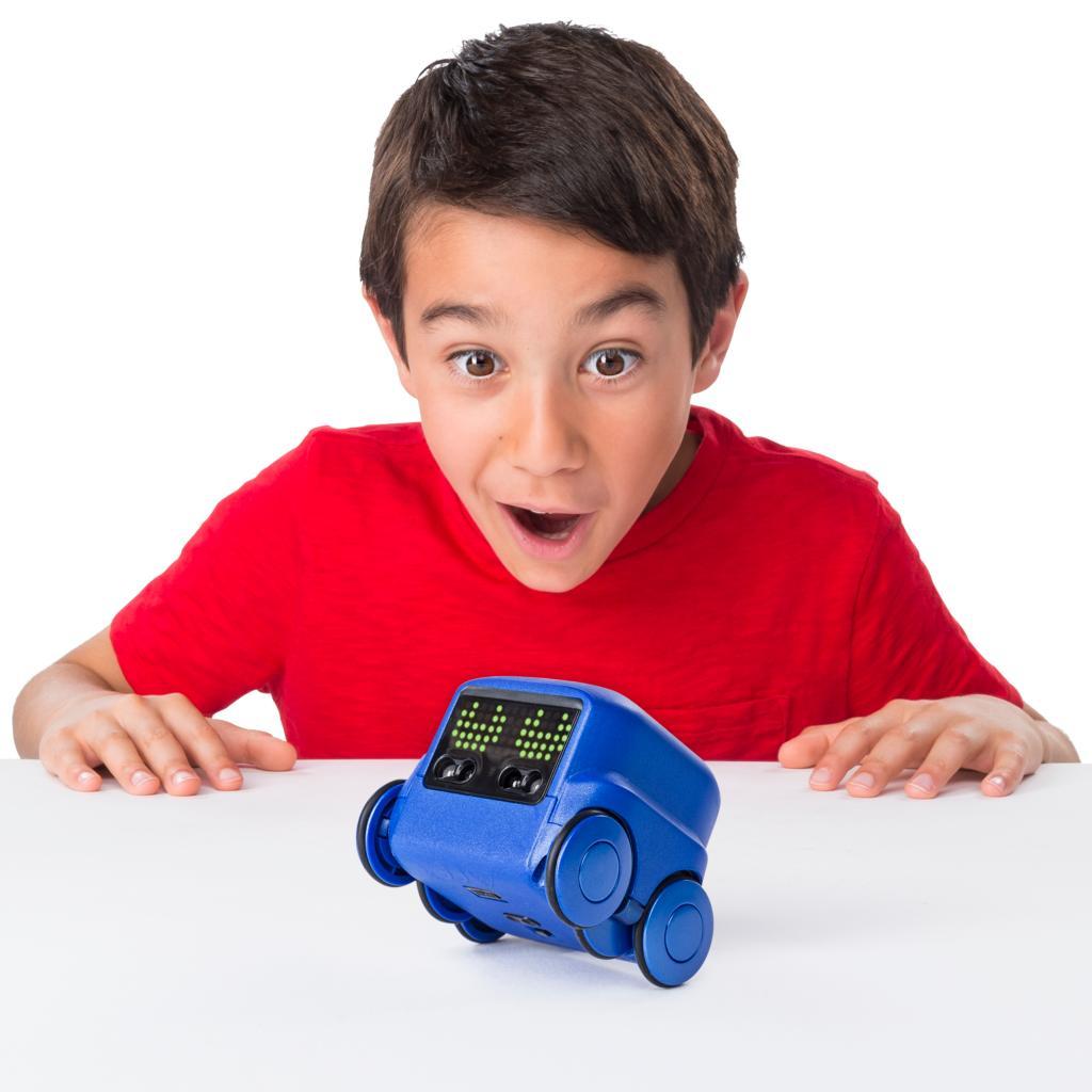 """Дигиталното е цар, твърдят от """"Хиполенд""""И играчките вече са инфлуенсери."""