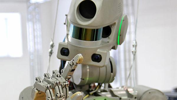 Роскосмос обясни причините за изпращане на човекоподобния робот Фьодор в космоса