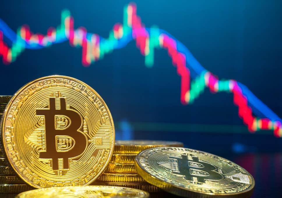 Цената на първата криптовалута стремително тръгна надолу веднага след дебатите