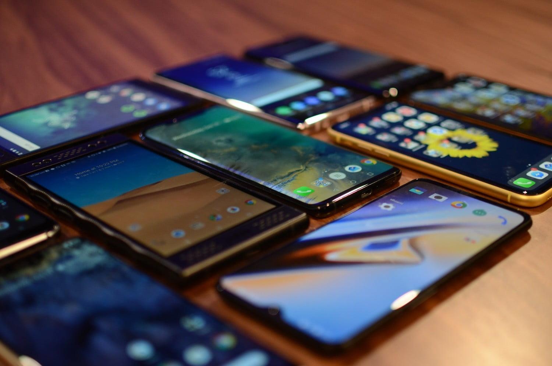 Смартфоните може би облъчват повече, отколкото си мислим