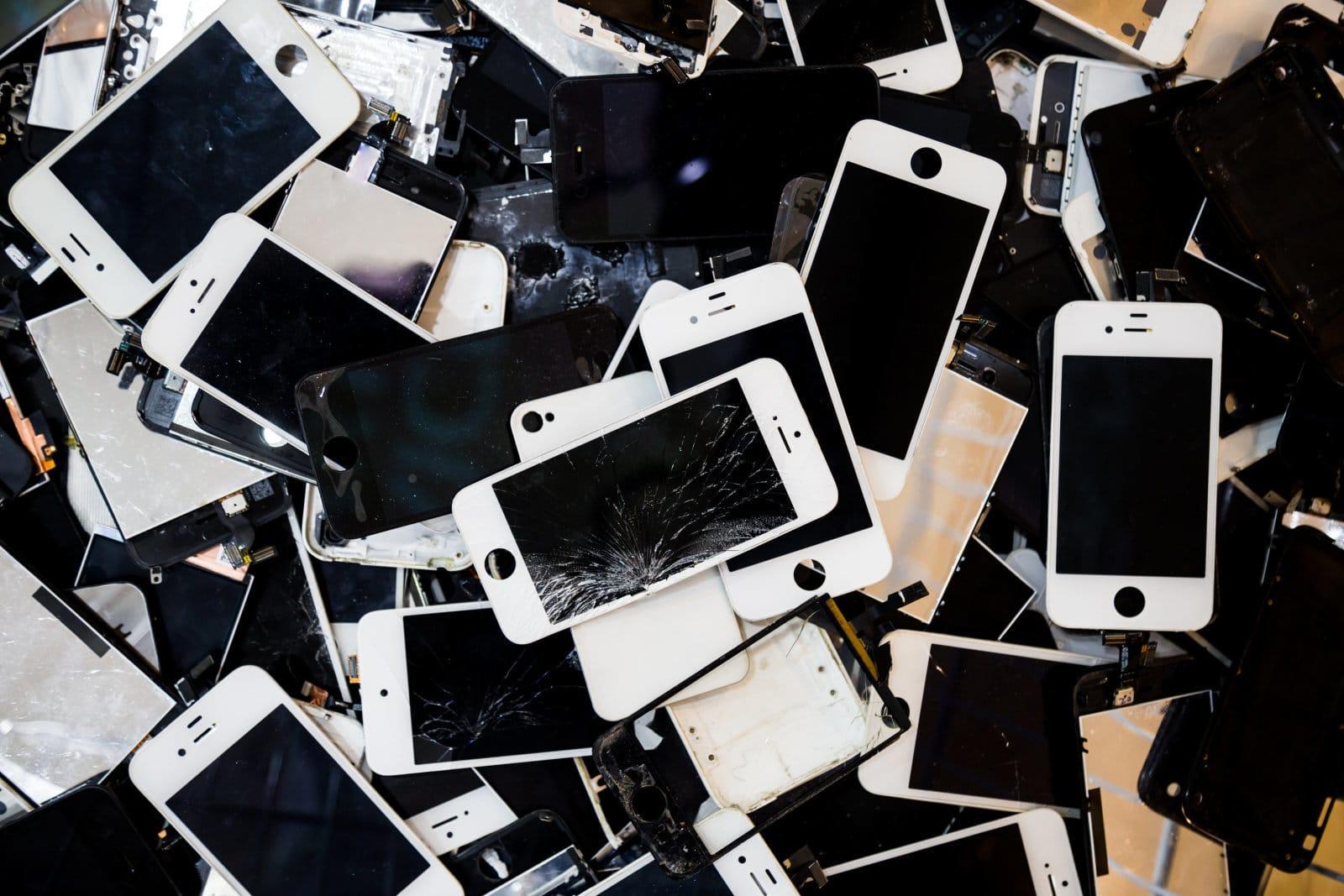 От дълго време Apple получава критики за манията си да
