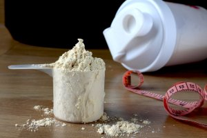 Your Guide to Protein Powder: Lose Weight, Build Muscle, Age Better